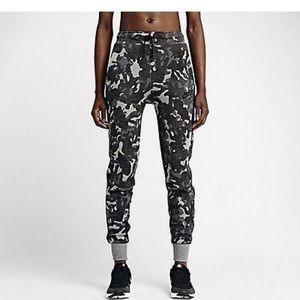 Nike Tech Fleece Camo Joggers